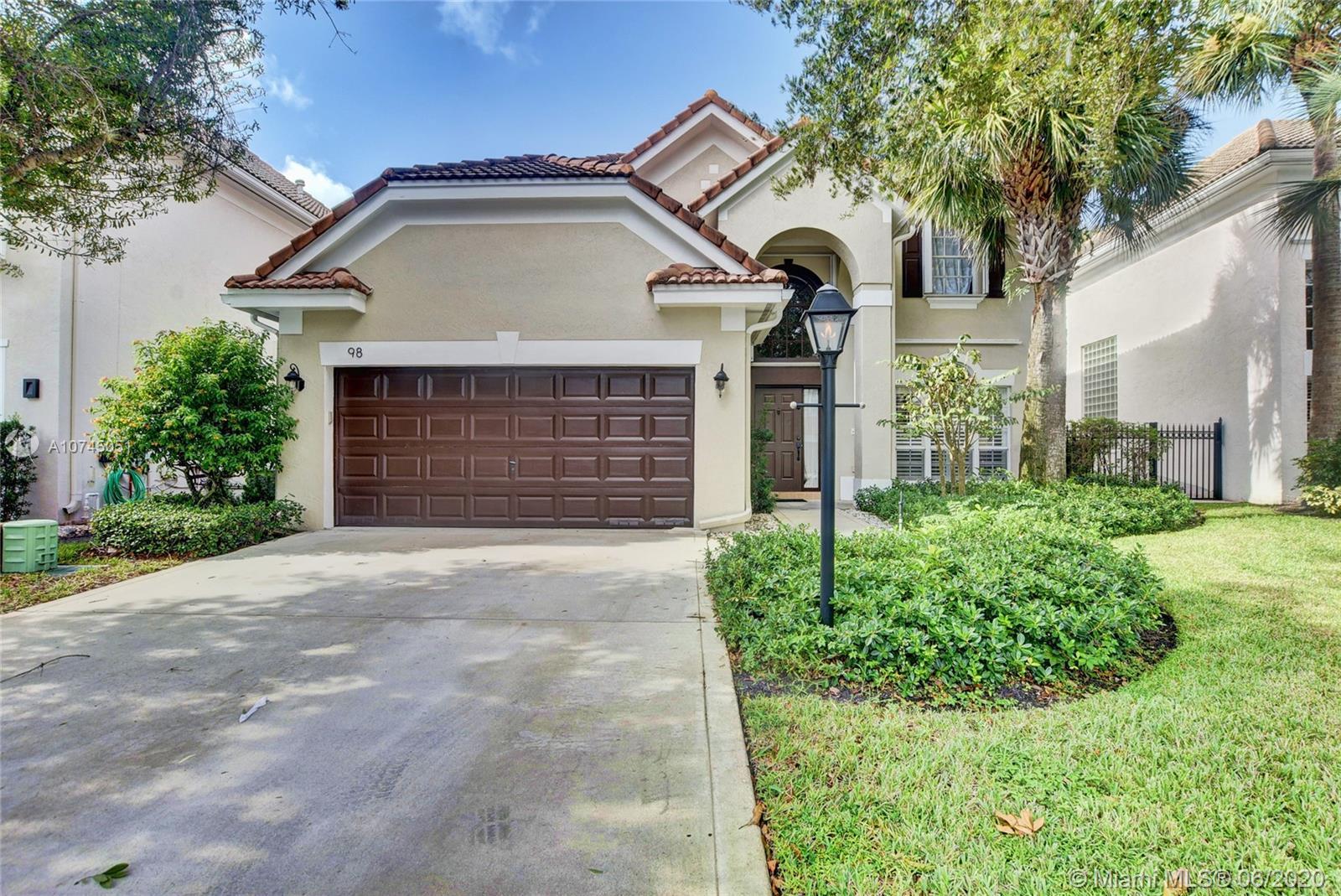 98 Satinwood Ln, Palm Beach Gardens, FL 33410
