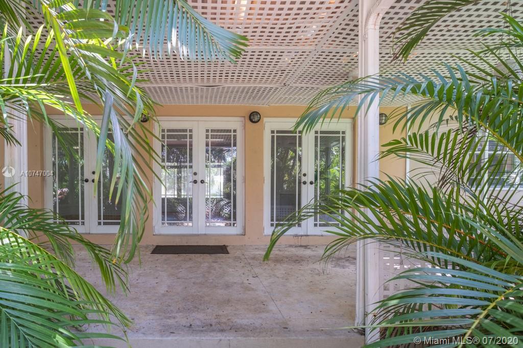 1419  Mantua Ave  For Sale A10747004, FL