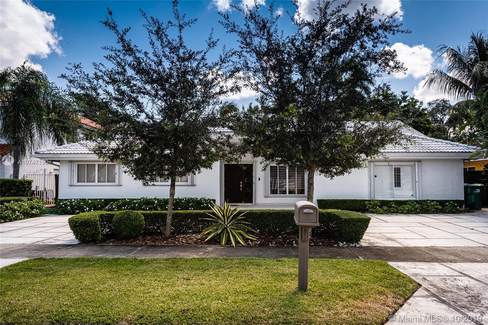 2360 NE 214th St  For Sale A10747190, FL
