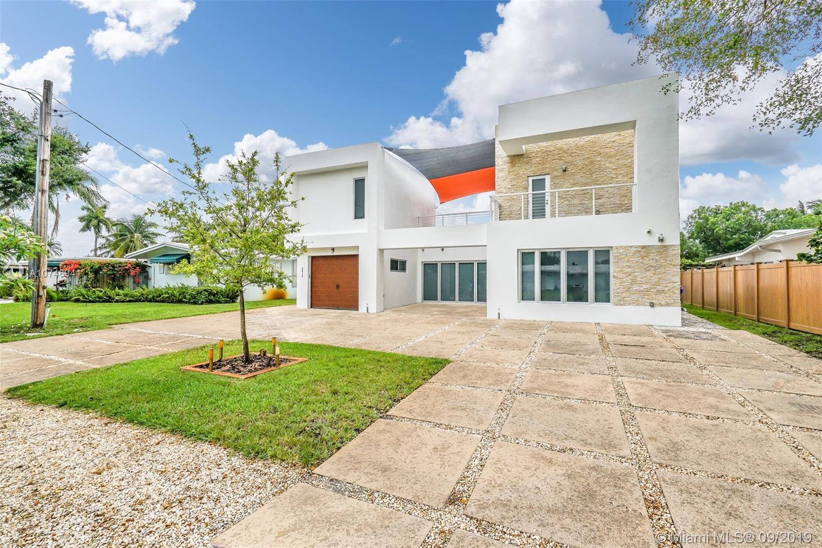 2612  Key Largo Ln  For Sale A10746941, FL