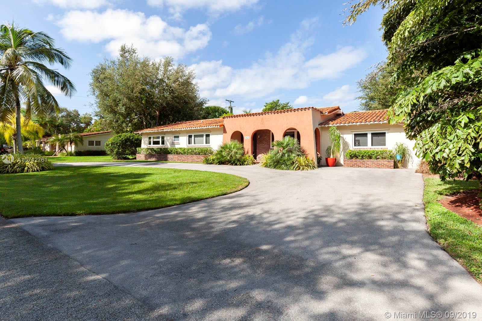 9050 SW 85 Avenue  For Sale A10742761, FL