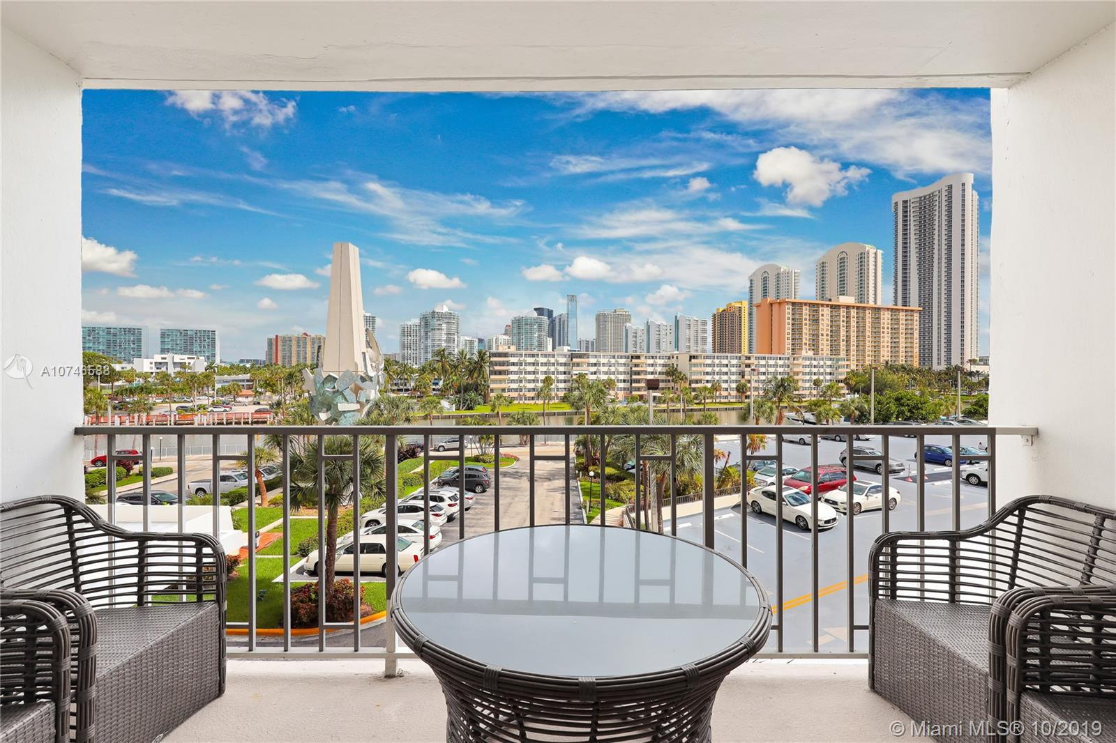 300  Bayview #307 For Sale A10746588, FL