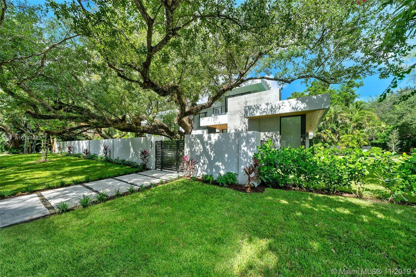 4701 SW 74th St  For Sale A10747187, FL