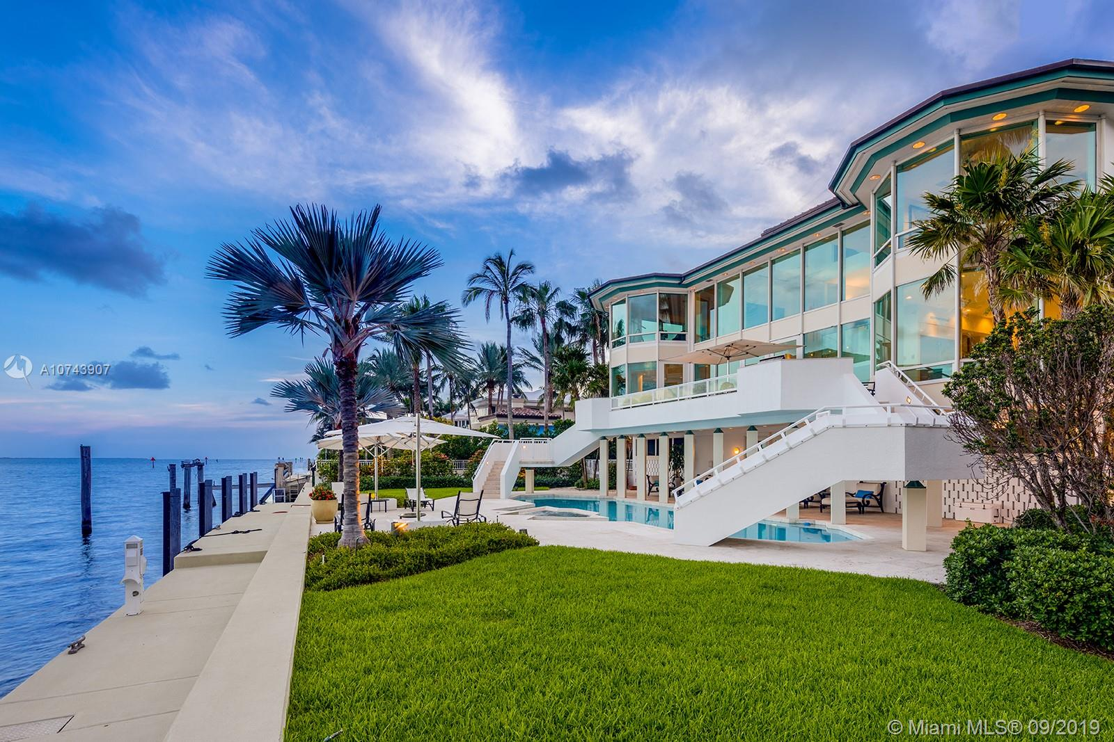 20  Tahiti Beach Island Rd  For Sale A10743907, FL