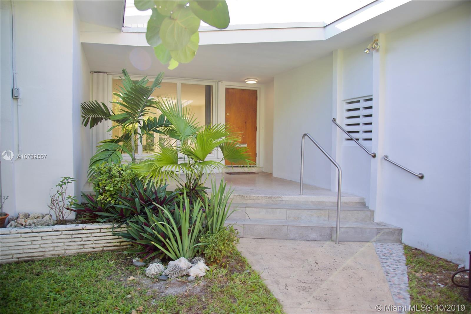 9240  Harding Ave  For Sale A10739557, FL