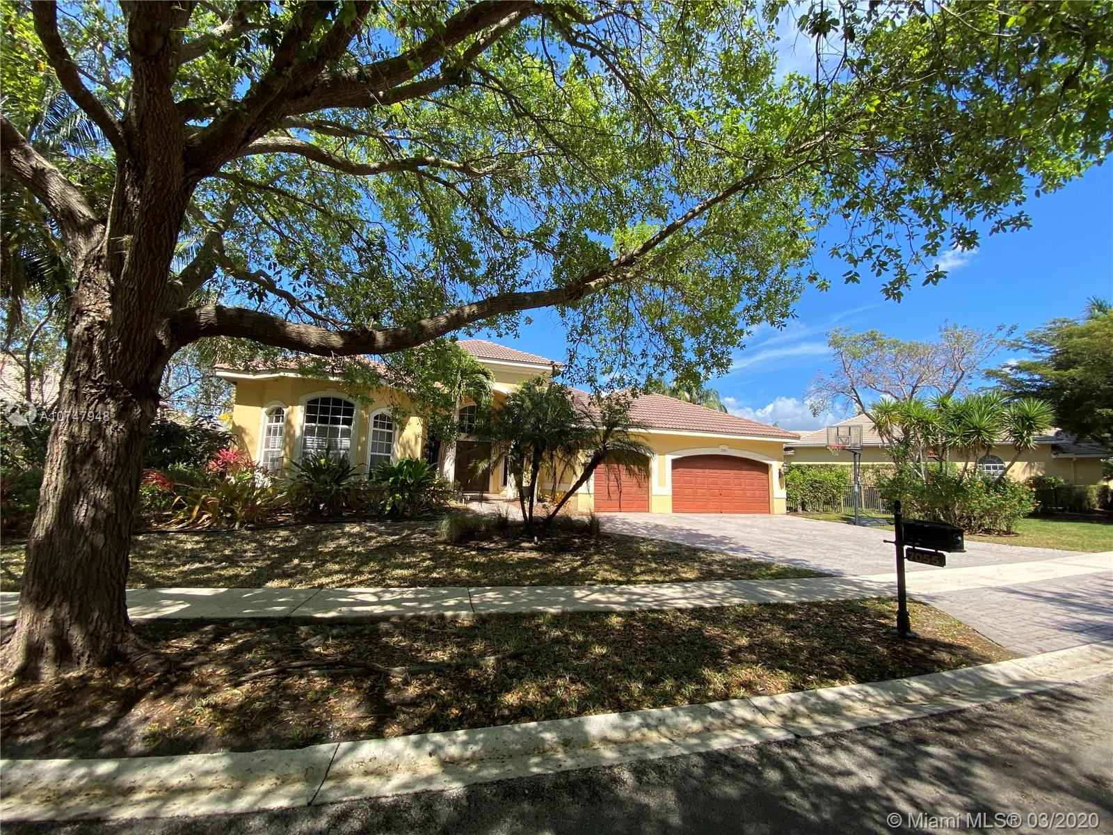 7055 NW 70th Mnr  For Sale A10747948, FL