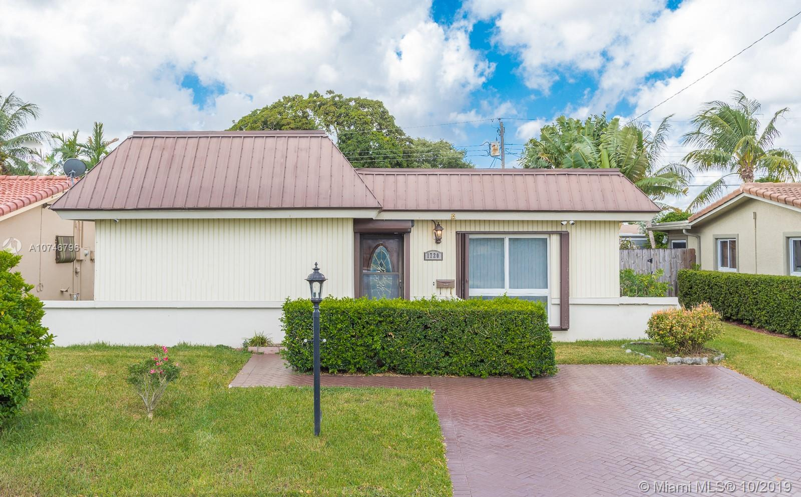 1720 N 47th Ave  For Sale A10746796, FL