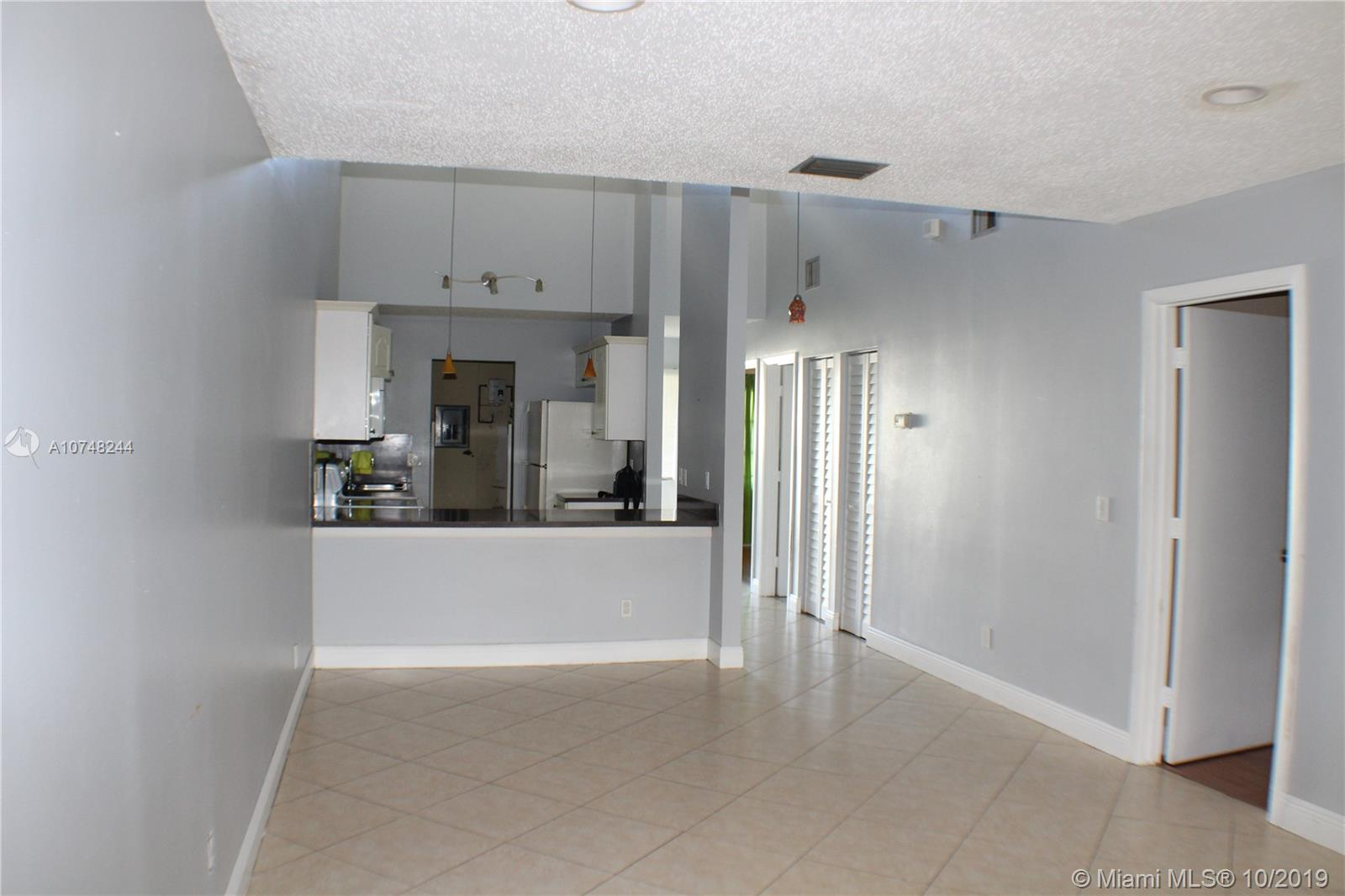 3605 S W 69th Ter #27-Z For Sale A10748244, FL