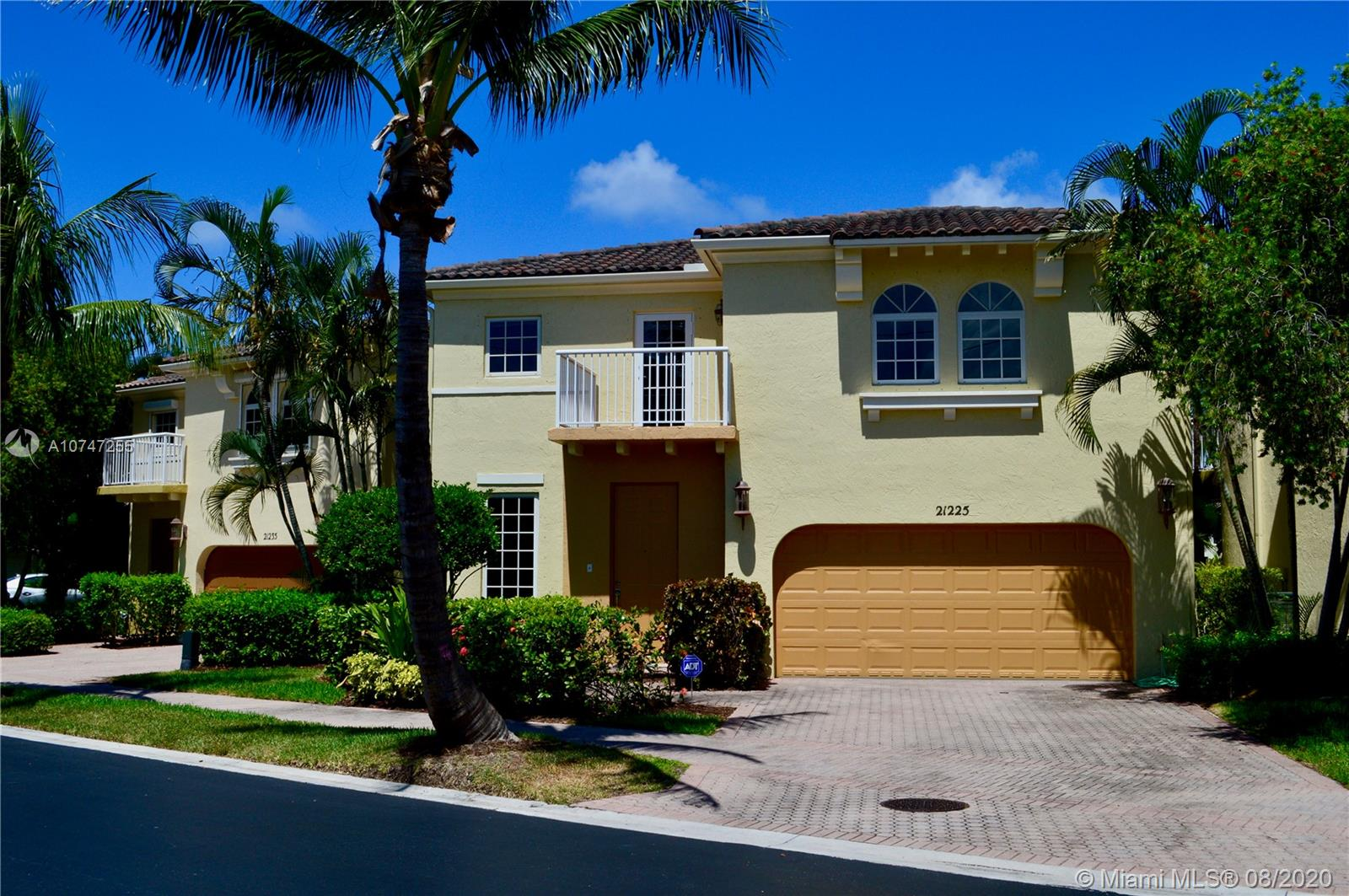 21225 NE 31st Ave  For Sale A10747255, FL