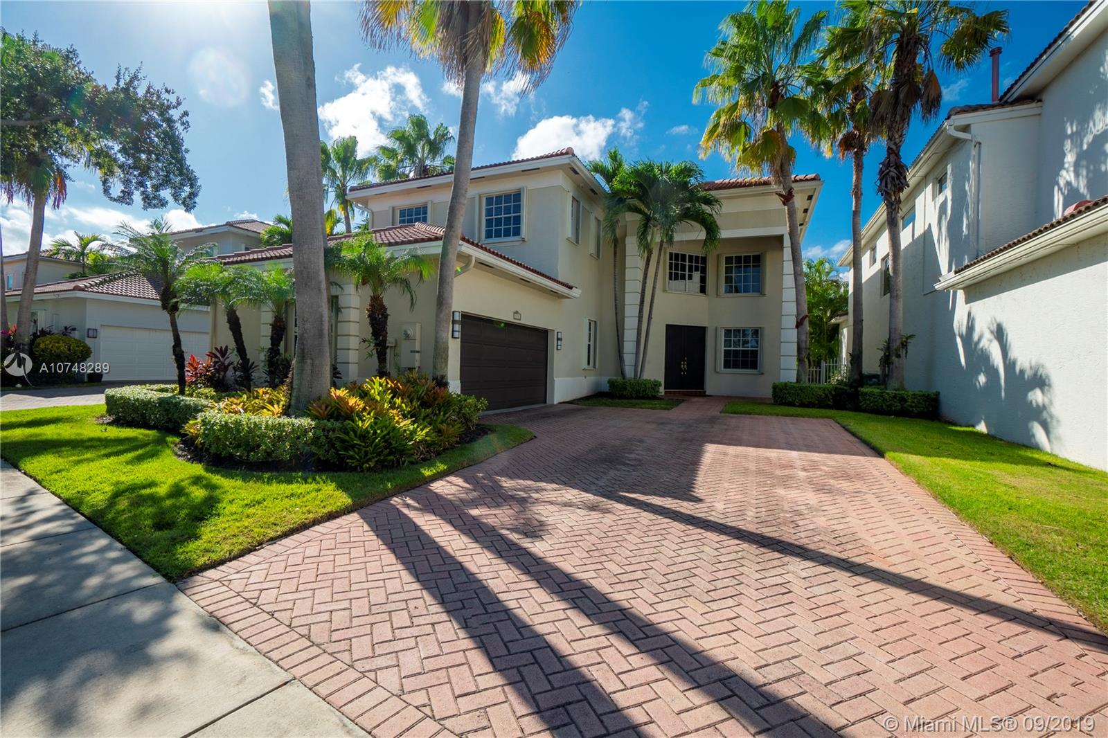 1531  Presidential Way  For Sale A10748289, FL