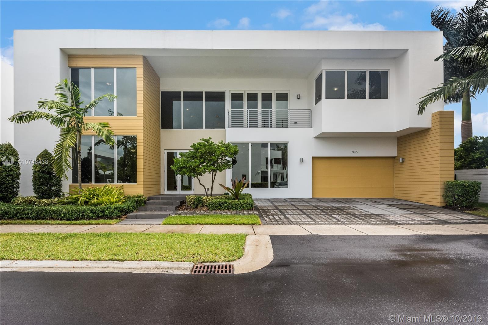 7415 NW 102nd Ct  For Sale A10748438, FL