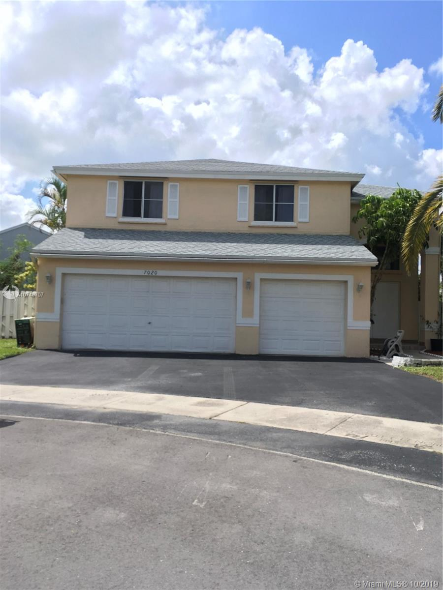 7020 SW 39th Ct  For Sale A10748707, FL