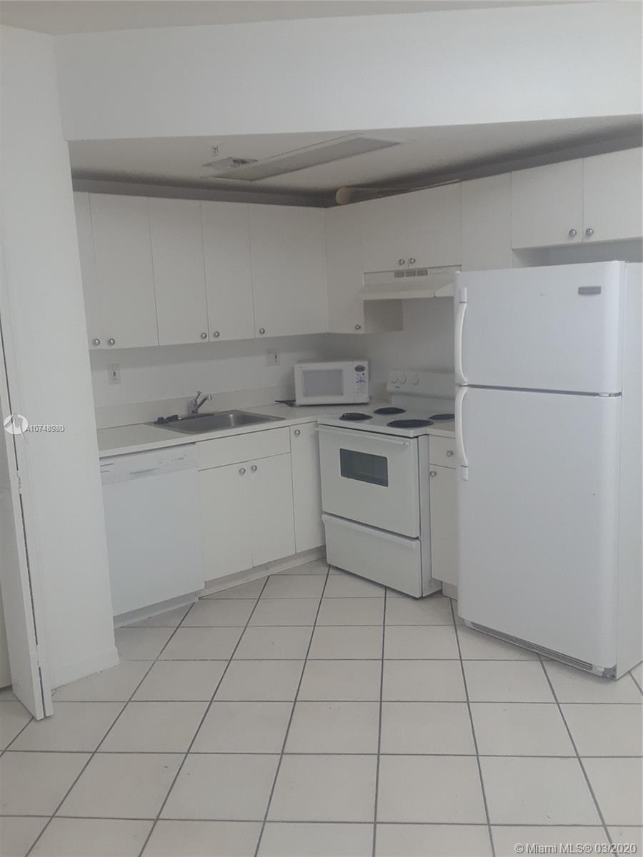 3051 SW 27 AV 305, Coconut Grove, FL 33121