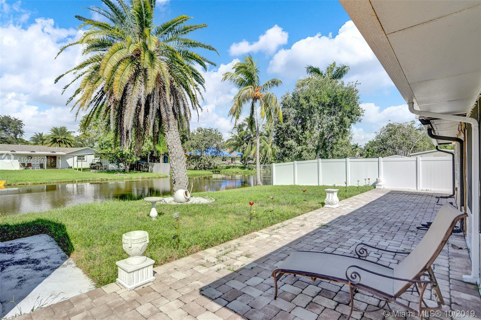 609 SW 2nd Ave  For Sale A10748978, FL