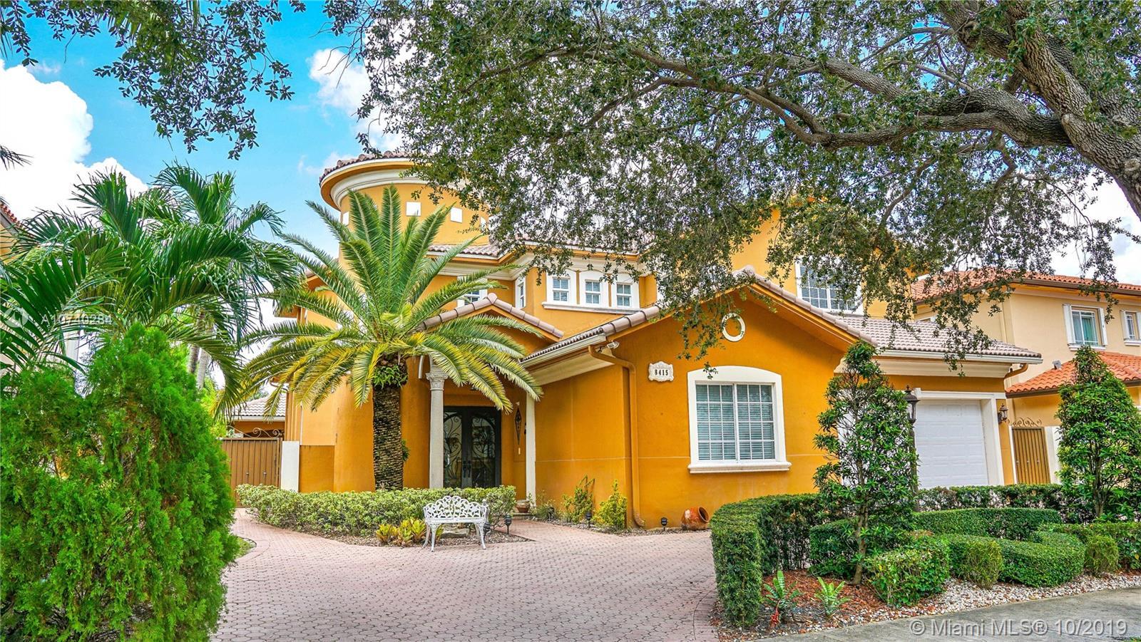 8415 NW 169th Ter, Miami Lakes, FL 33016