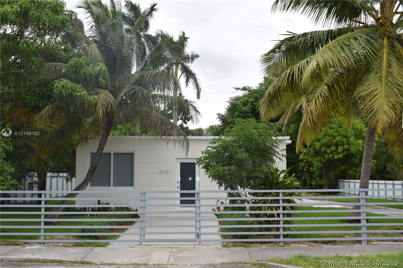 5901 S W 62 TER  For Sale A10749162, FL