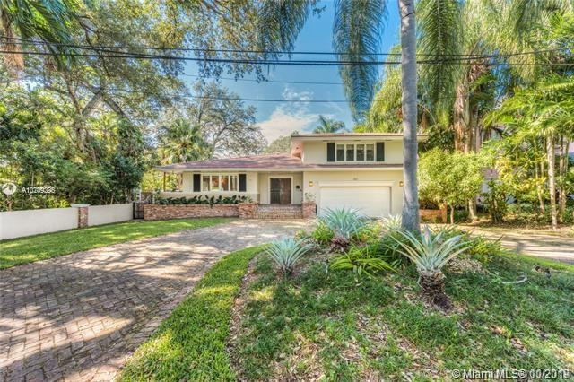 860  Jeronimo Dr  For Sale A10749295, FL