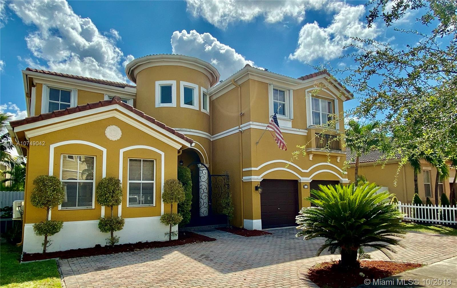 8934 NW 178th Ln  For Sale A10749042, FL