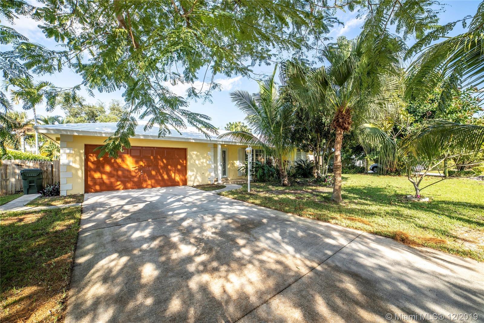 2041 Bonnie St, Boca Raton, FL 33486