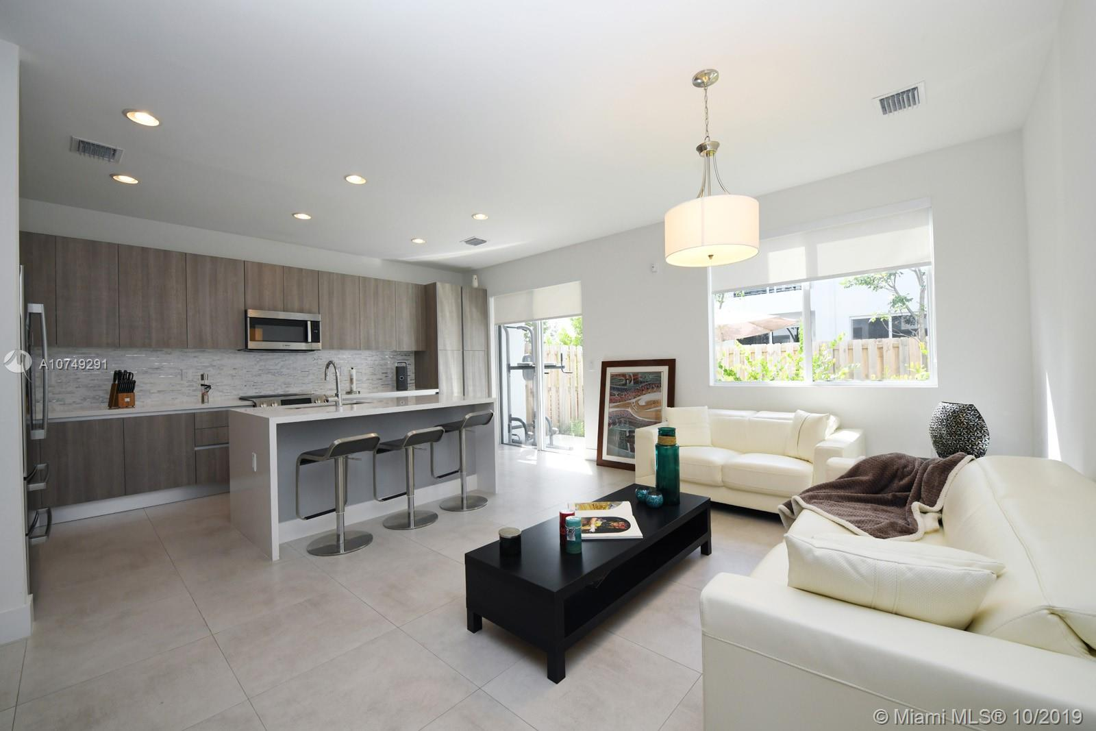 10240 NW 72nd Ter  For Sale A10749291, FL