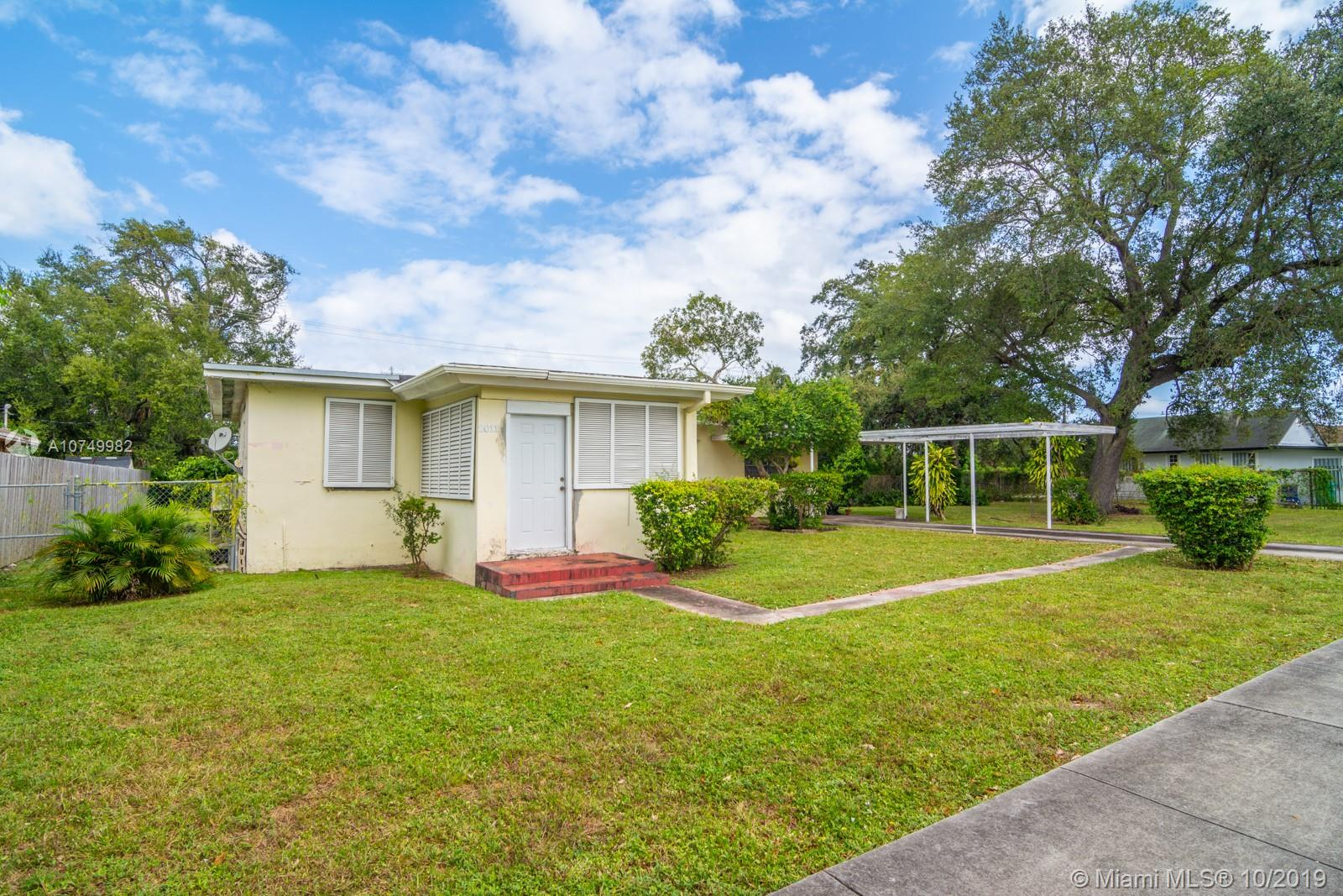2011 NW 98th St  For Sale A10749982, FL