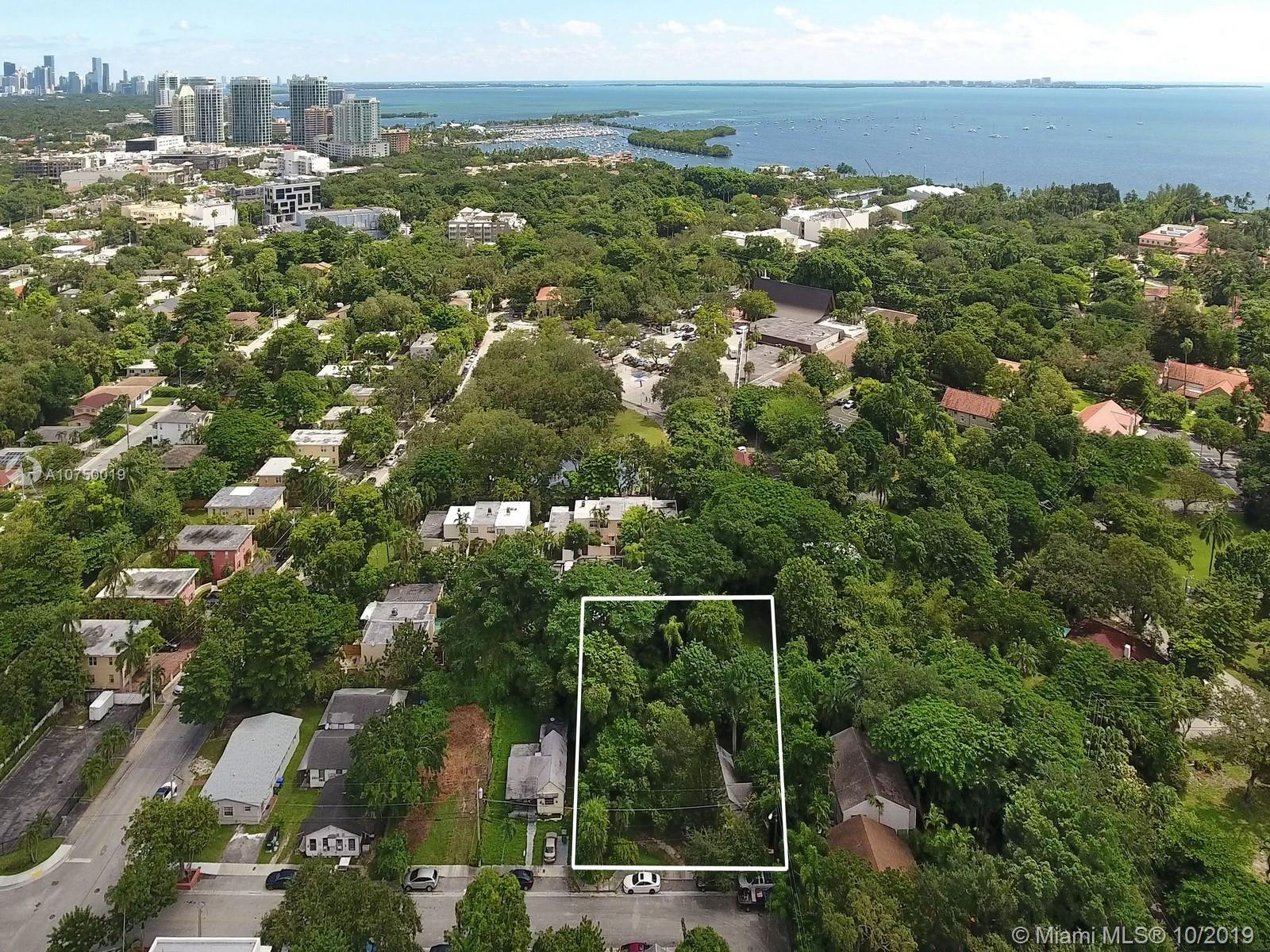 3587  Hibiscus St  For Sale A10750019, FL
