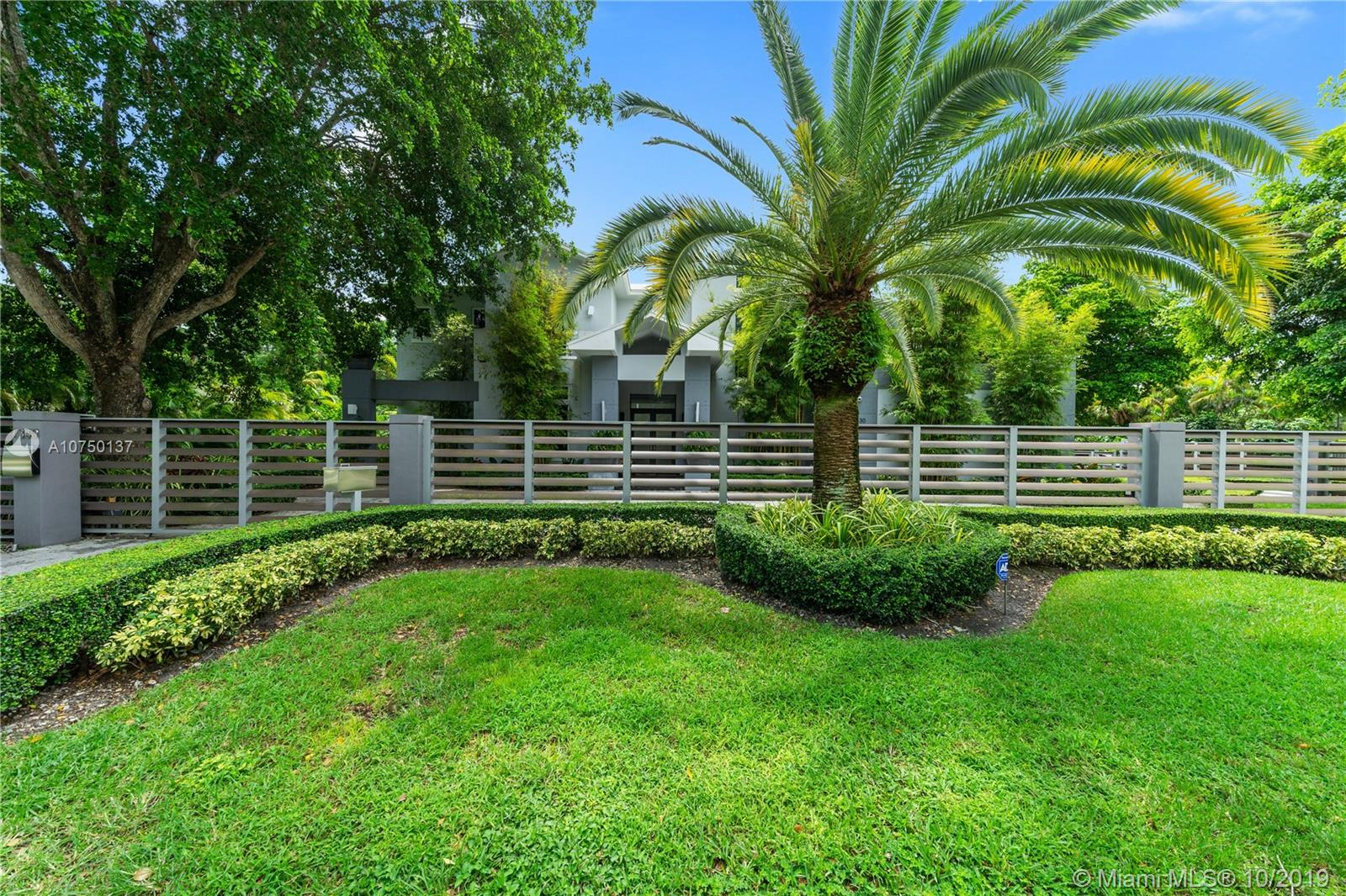7330 SW 105th Ter  For Sale A10750137, FL