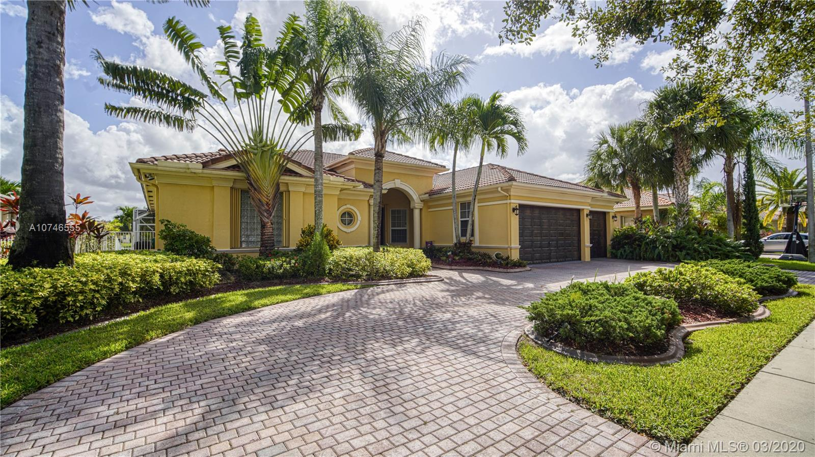 5058  Lakewood Dr  For Sale A10746555, FL