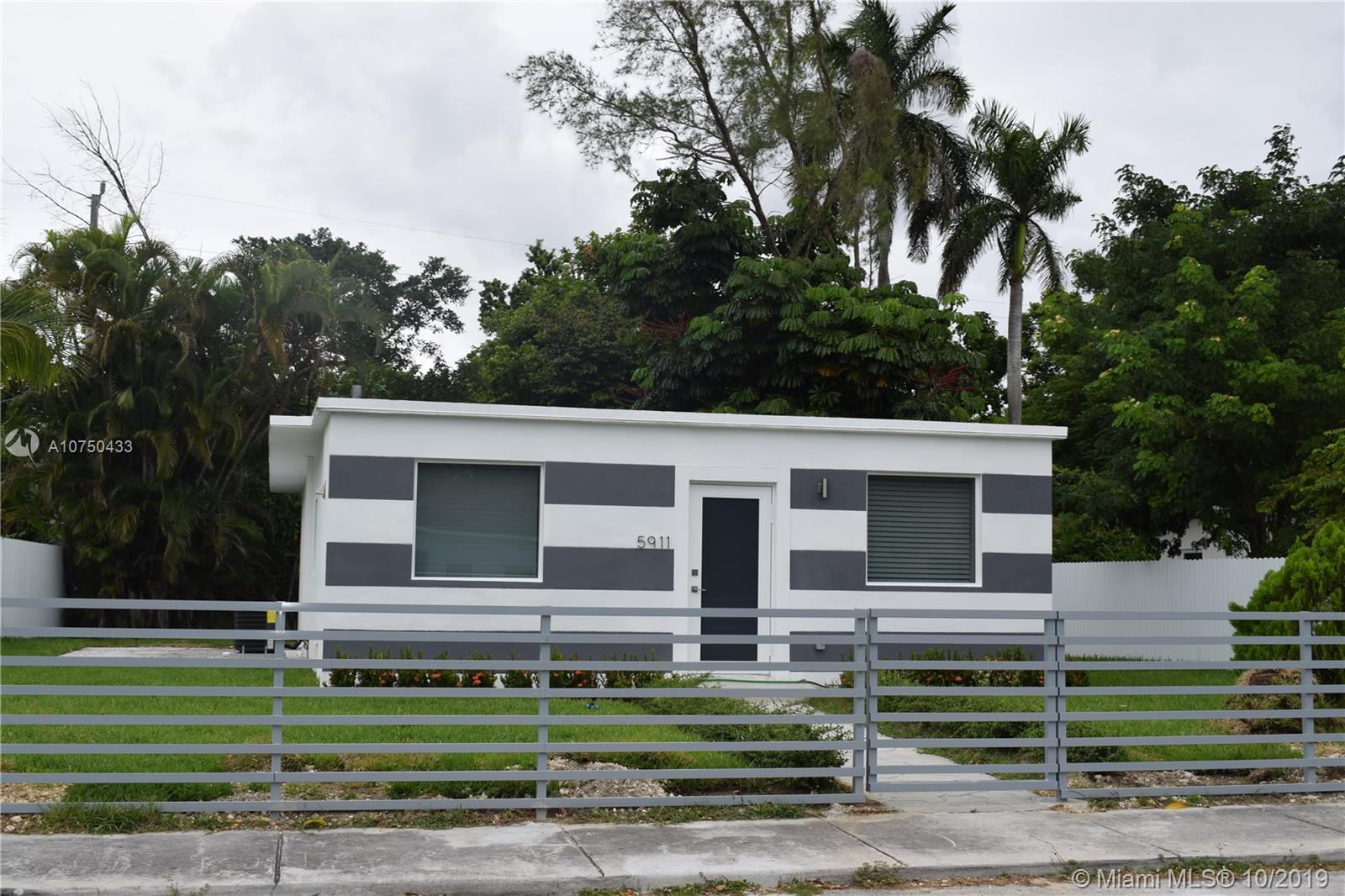 5911 SW 62nd TER  For Sale A10750433, FL
