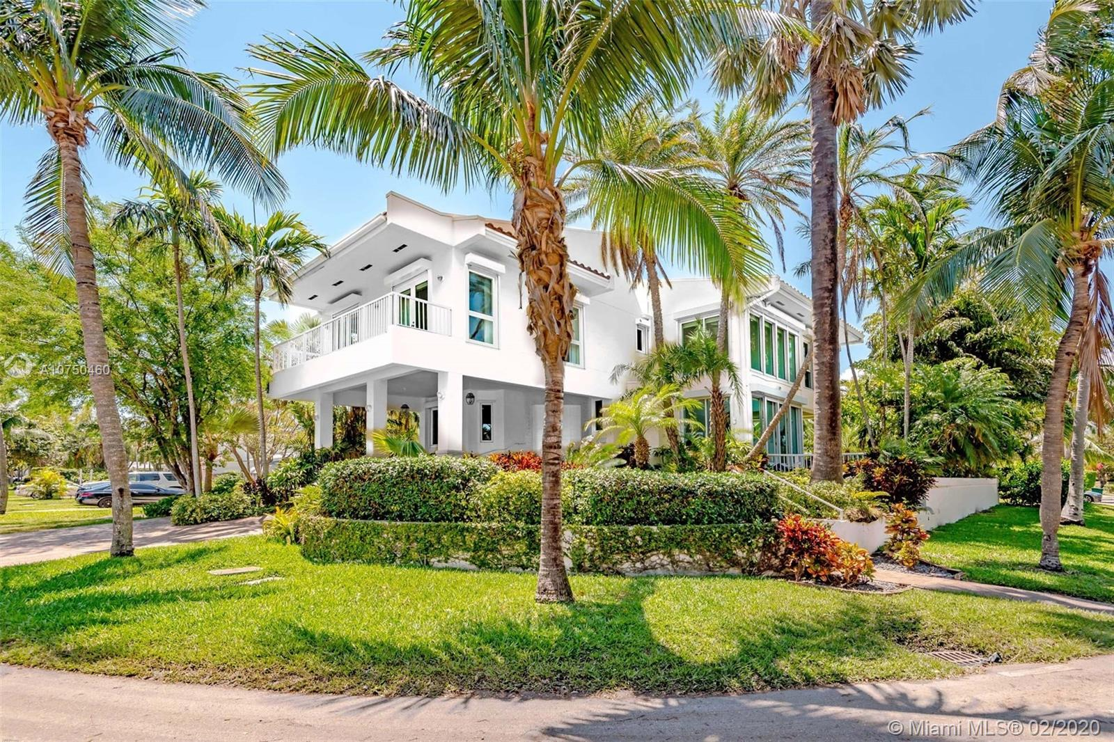 650  Curtiswood Dr  For Sale A10750460, FL