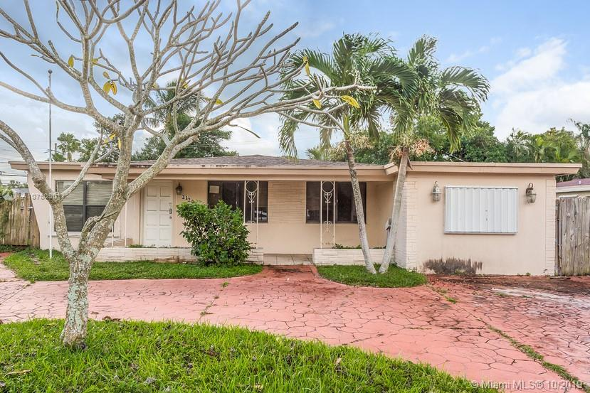 3120 S W 17th St  For Sale A10750501, FL