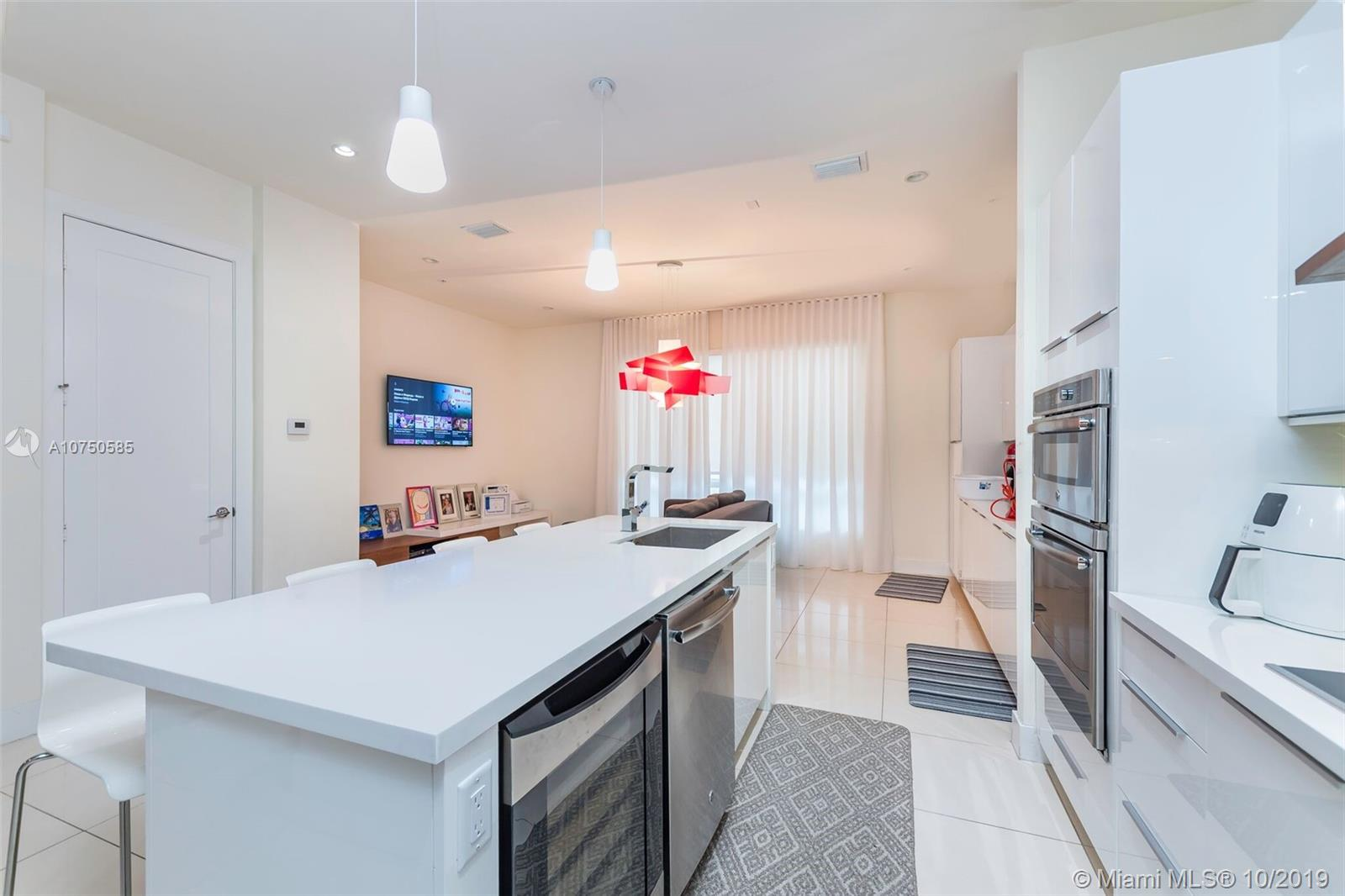 6621 NW 105th Ave #6621 For Sale A10750585, FL