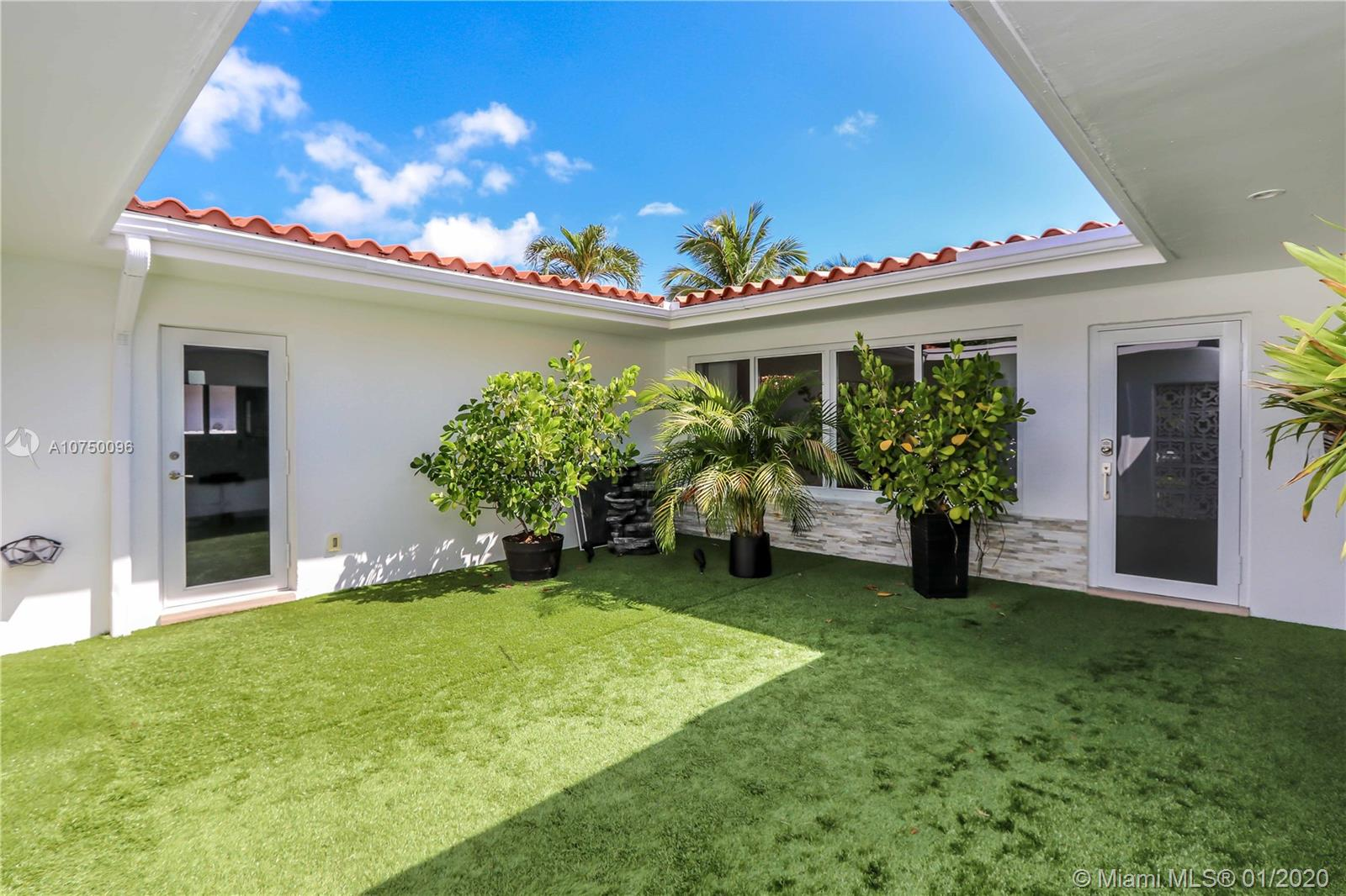 13005  Arch Creek Ter  For Sale A10750096, FL