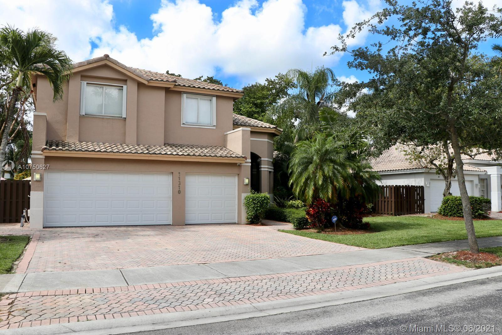 11310 NW 61st St  For Sale A10750627, FL