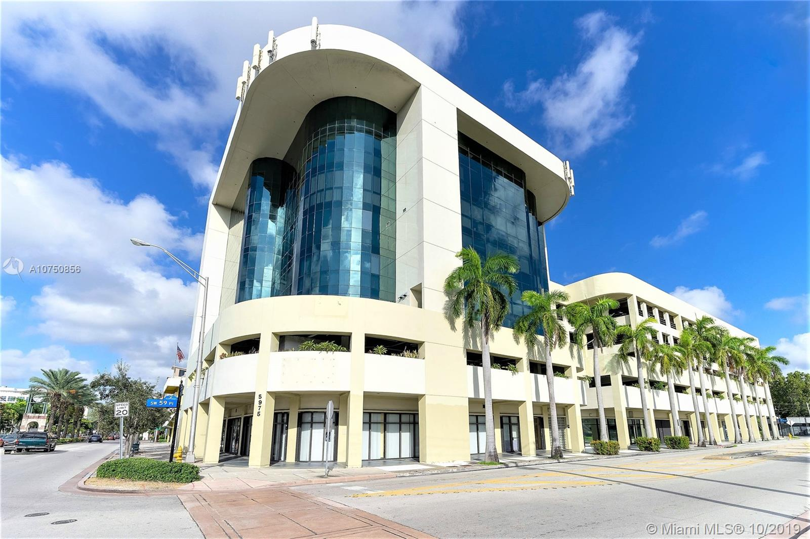 5975  Sunset Dr #100 For Sale A10750856, FL