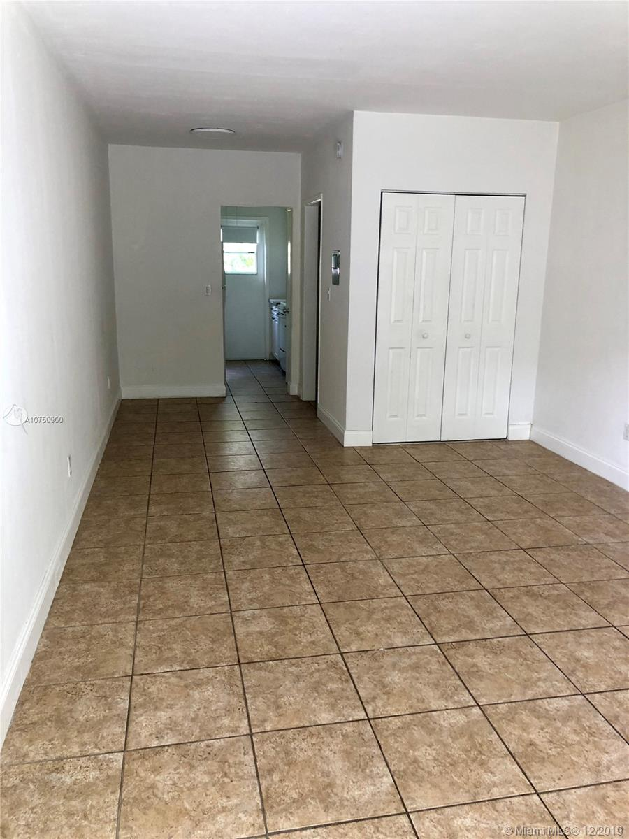 7725  Carlyle Ave #5 For Sale A10750900, FL