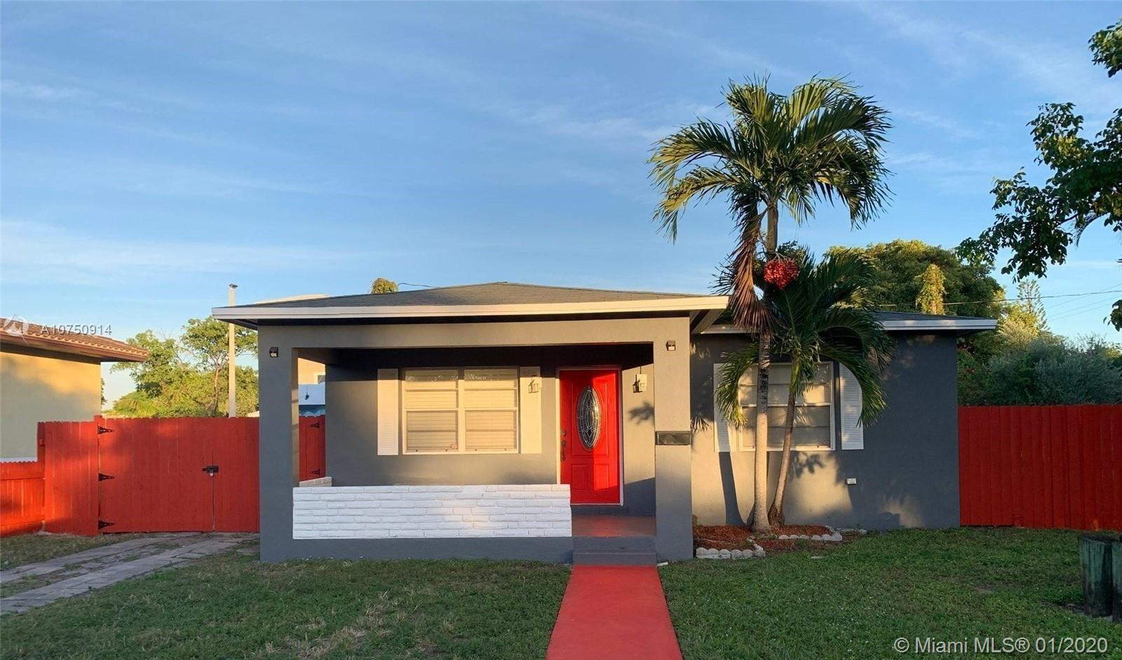 809 S 24 Ave  For Sale A10750914, FL