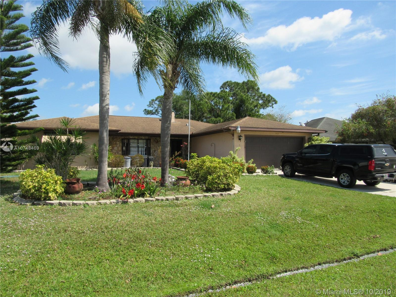 707 NW Bayard Ave, Port St. Lucie, FL 34983