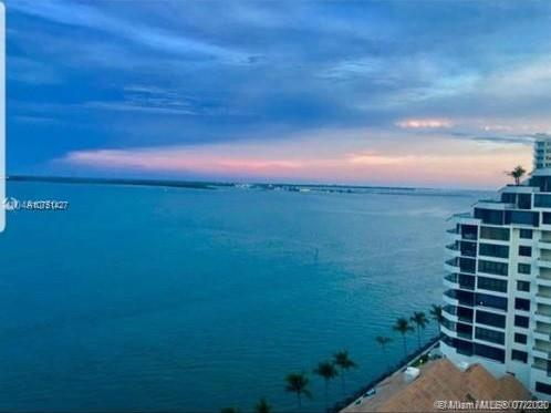 540 Brickell Key Dr #1621, Miami FL 33131