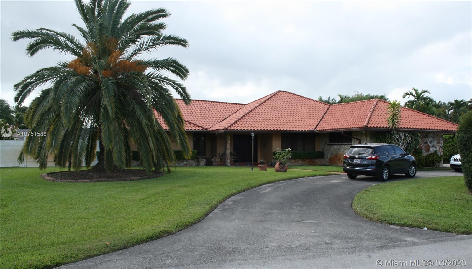 10450 NW 133 St, Hialeah Gardens, FL 33018