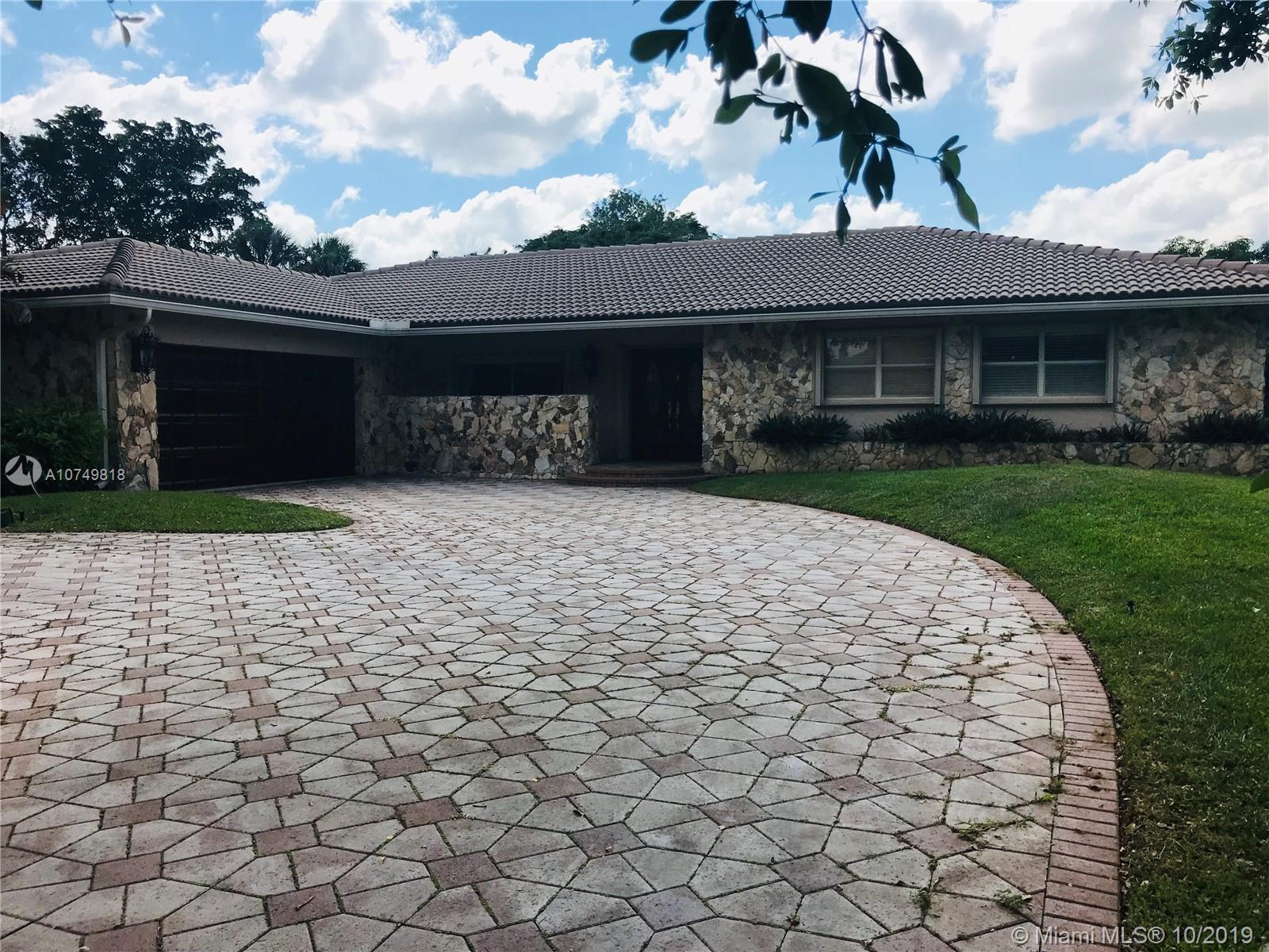 9982 NW 19th St, Coral Springs, FL 33071