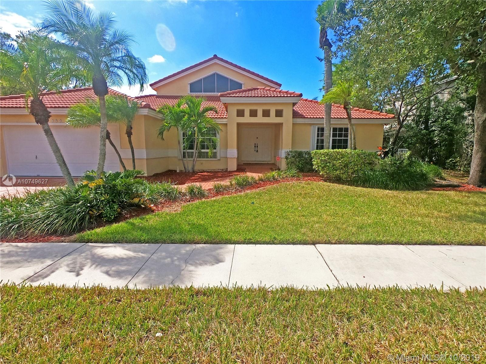 GREAT OPPORTUNITY TO OWN A TURNKEY HOME WITH LAKE & POOL IN THE VERY DESIRABLE COMMUNITY OF CHAPEL TRAIL ONE STORY WITH GREAT FLOOR PLAN. CERAMIC FLOORS THRU OUT. BEAUTIFUL KITCHEN WITH DARK CABINETS & RICH GRANITE COUNTERTOPS. FABULOUS VIEWS GREET YOU AS YOU WALK IN THE DOOR OF POOL & LAKE. REMODELED BATHS AS WELL. EASY ACCESS TO ALL SHOPPING & HIGHWAYS. CALL L/A FOR EASY