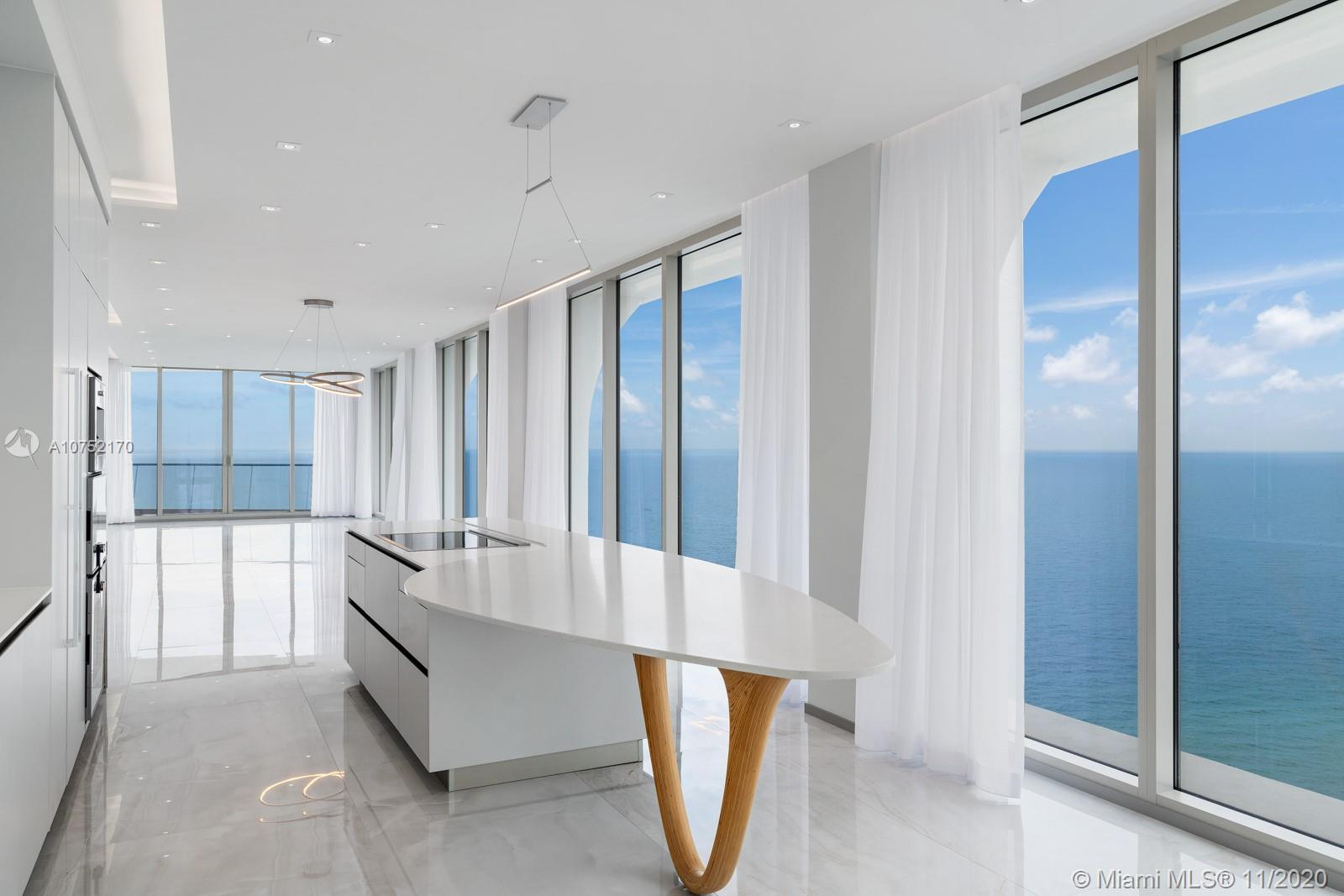 16901  Collins Ave   3301