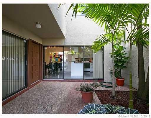 4716 S W 67th Ave. #D-4 For Sale A10752717, FL
