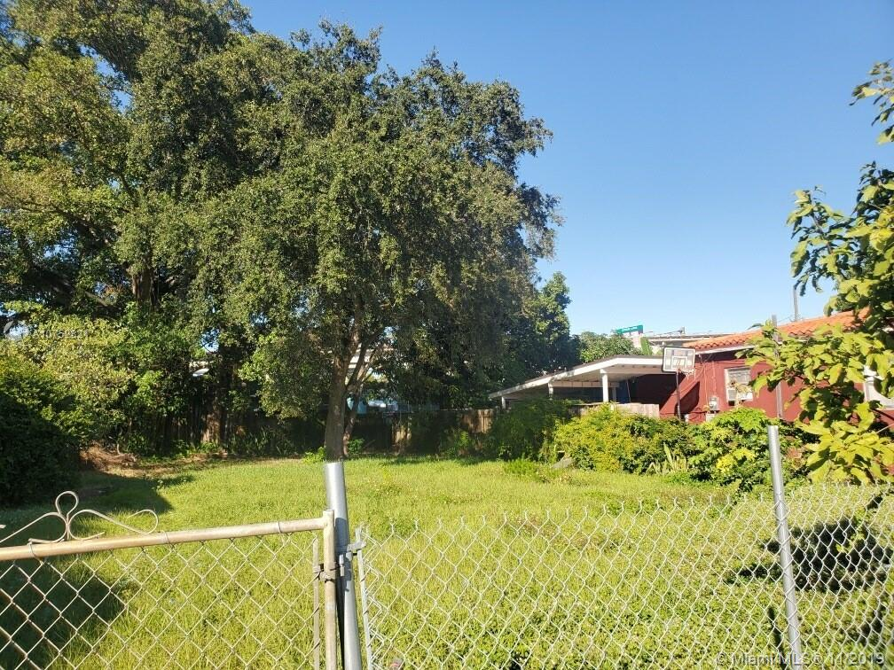 1271 NW 38th St  For Sale A10752821, FL