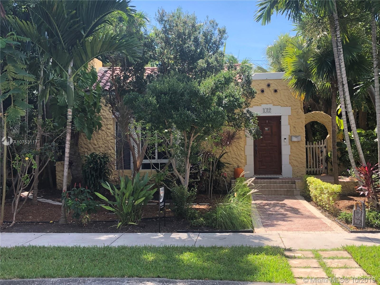 1012  Harrison St  For Sale A10753117, FL