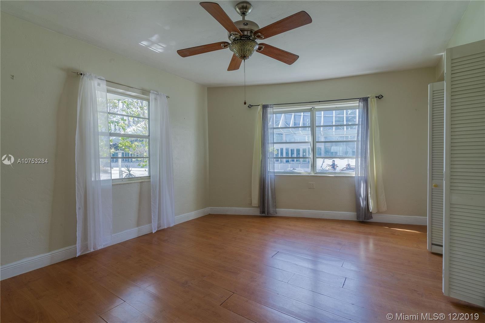 1925  Washington Ave #3 For Sale A10753284, FL