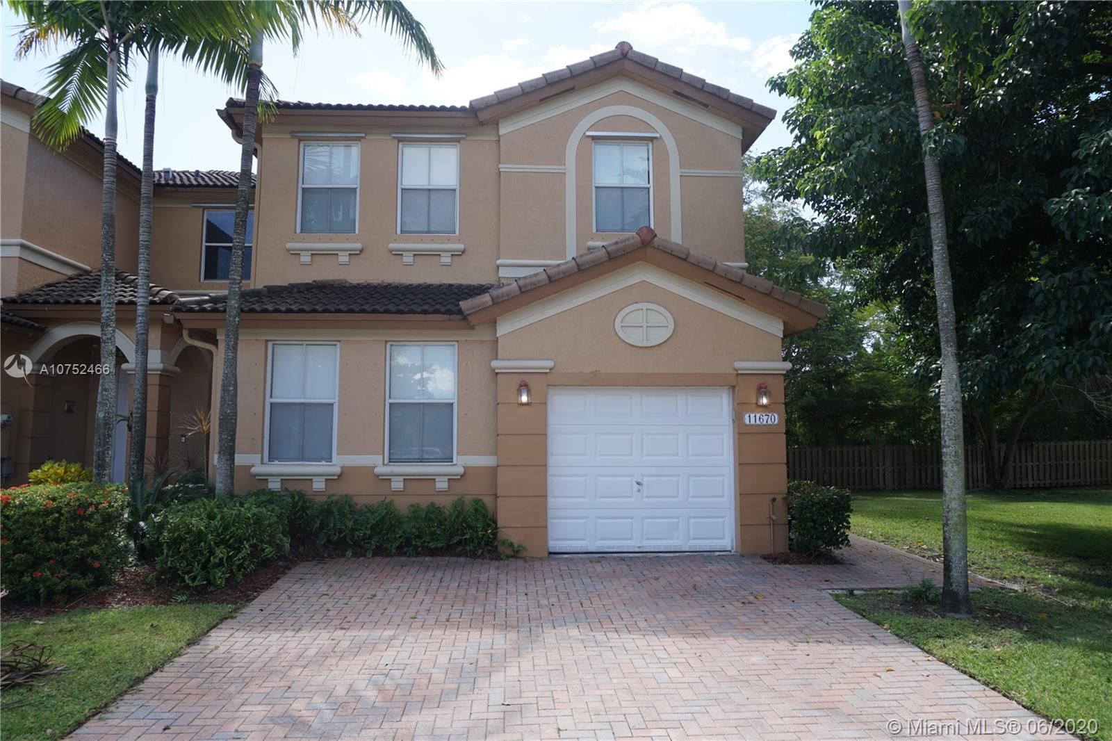 11670 NW 76 TE  For Sale A10752466, FL