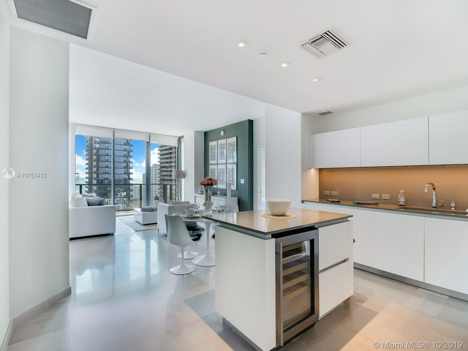 88 SW 7th St #2505 For Sale A10753433, FL