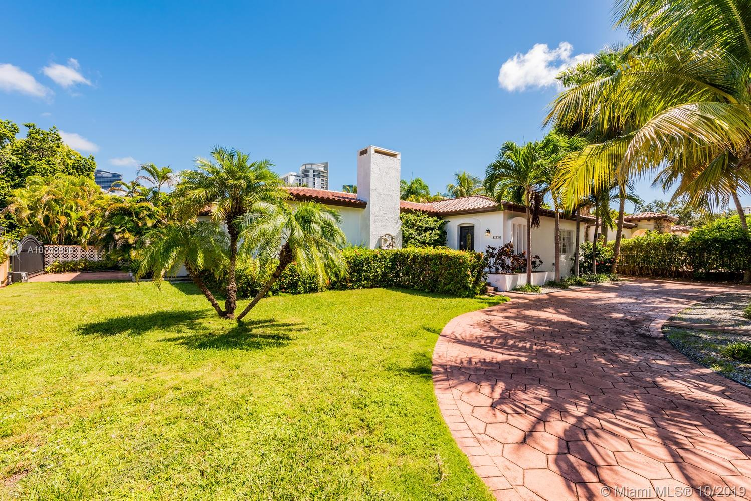 167 SW 20th Rd  For Sale A10753606, FL